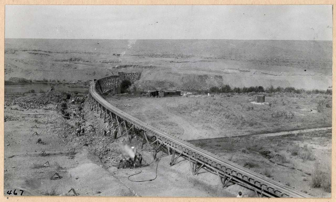 467-Steam drills working on dam foundation. 1914.